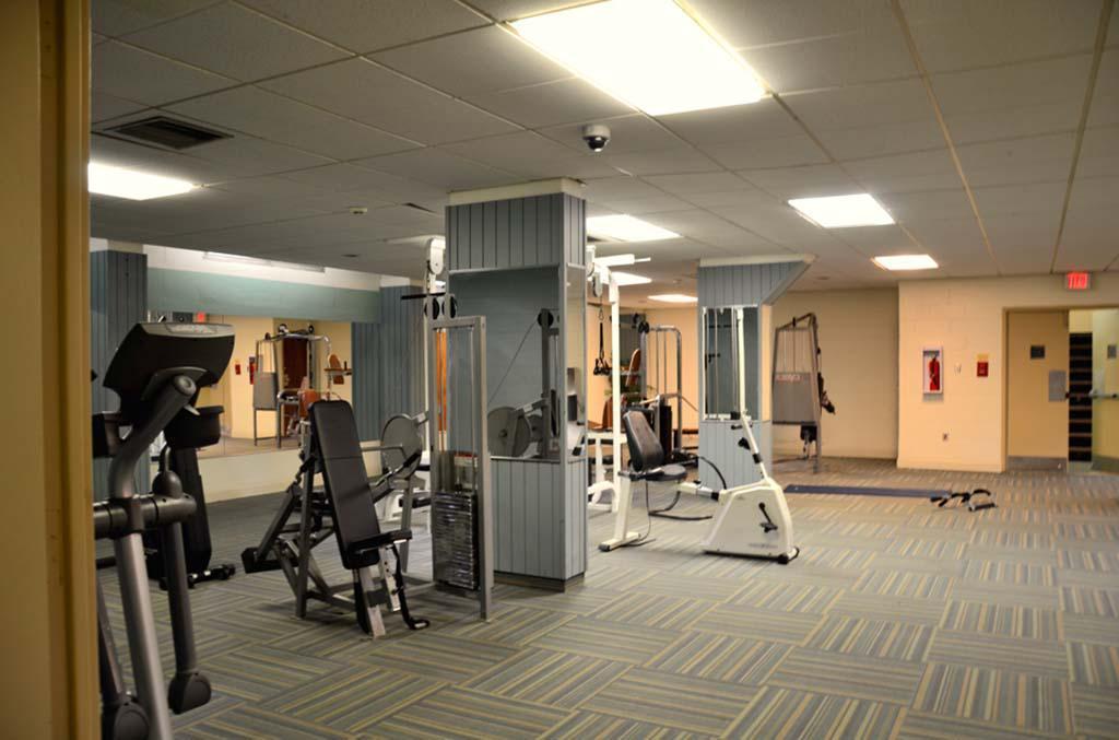 在学术套房bbin的健身房和锻炼设备出租