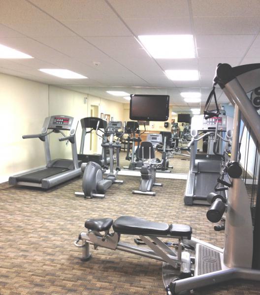 一个设备齐全的健身房在十字路口斯坦布里奇bbin出租