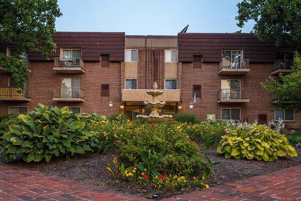 宾夕法尼亚州费城喷泉花园bbin的住宅楼外观