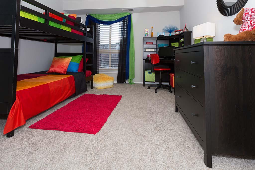 乔舒亚之家bbin在费城,宾夕法尼亚州出租的家具齐全的卧室双层床