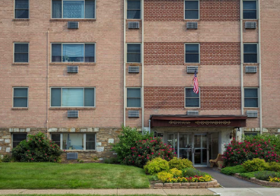 在费城的洛伍德庄园bbin出租的住宅建筑的外部视图,宾夕法尼亚州