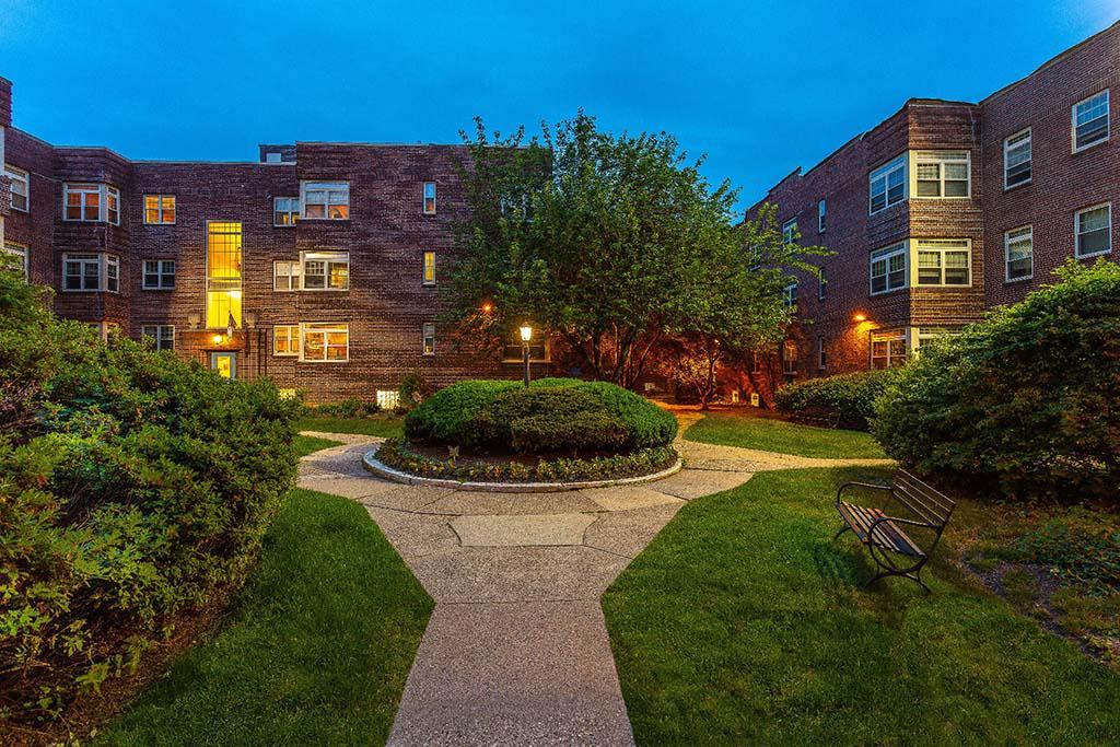宾夕法尼亚州费城塞奇威克花园bbin,风景优美的庭院