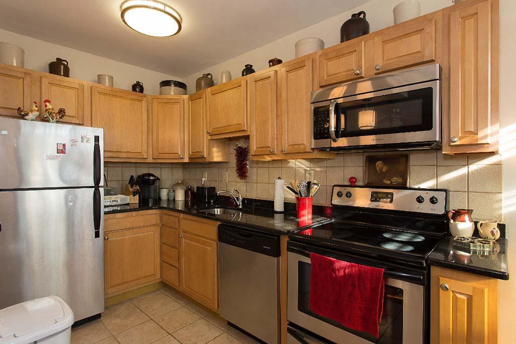 宾夕法尼亚州费城塞奇威克花园bbin的不锈钢器具厨房