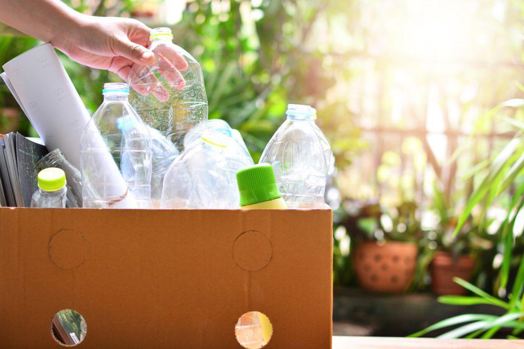 回收盒和手动快门stock_698172910-min