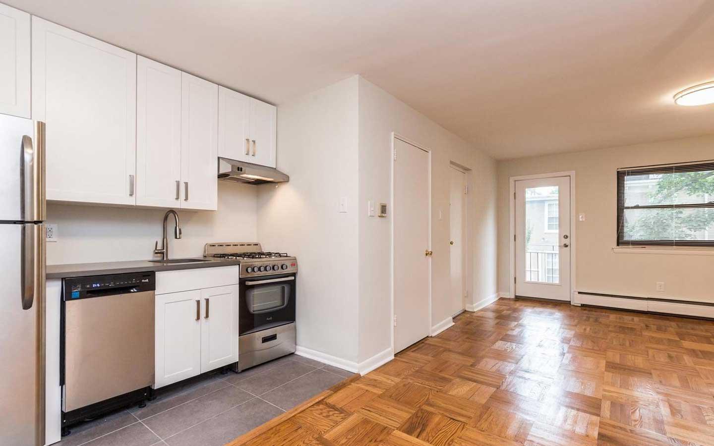 塞奇威克露台bbin出租,更新的厨房,光滑的瓷砖工作,开放式概念客厅/餐厅
