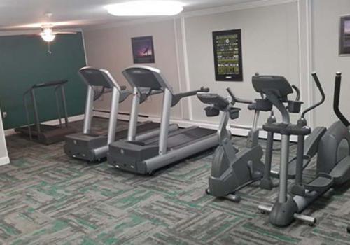 在布罗姆利bbin有一个健身房和锻炼设备出租