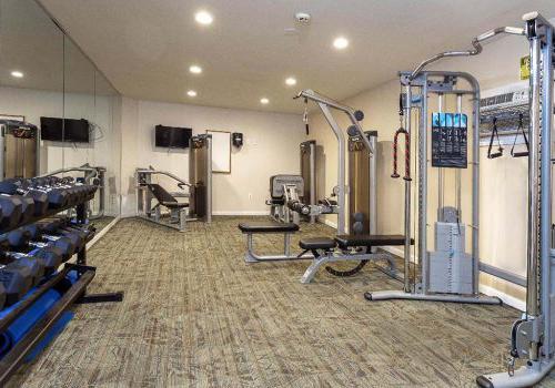 健身中心与锻炼设备在Haverford法院bbin出租在费城,宾夕法尼亚州