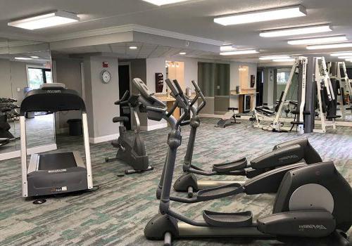 健身中心配有健身器材在威斯敏斯特公园在沃灵顿出租bbin, PA