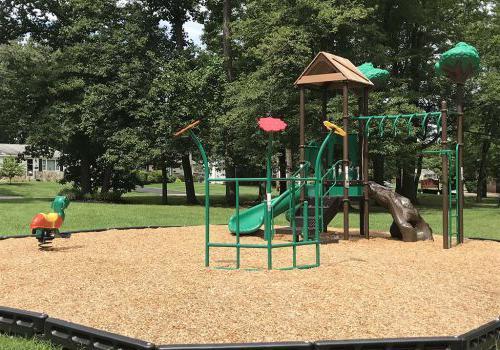 在威斯敏斯特公园附近有绿色滑梯的操场,在宾夕法尼亚州沃灵顿出租bbin