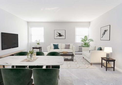 宽敞的客厅,有两个沙发和一台电视机,可以看到沃灵顿十字路口的用餐区, PA