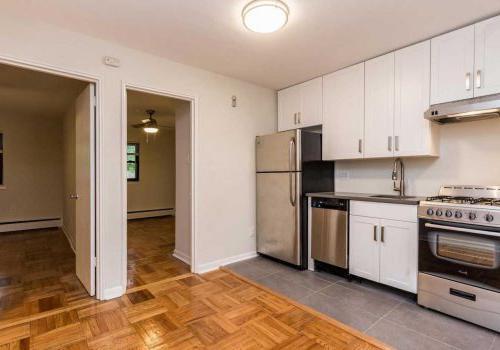 塞奇威克露台bbin位于西山,有两间卧室的平面布局,配有更新的厨房和开放式概念客厅/餐厅. 艾里,费城,宾夕法尼亚州